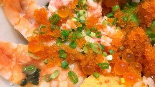 福岡の海鮮丼専門店「日の出」で食べる海鮮丼は天国の味